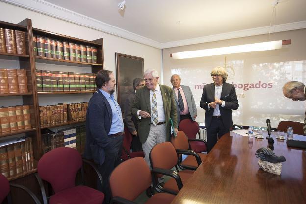 El Foro Jovellanos insta a los grandes empresarios a apoyar el Corredor Atlántico