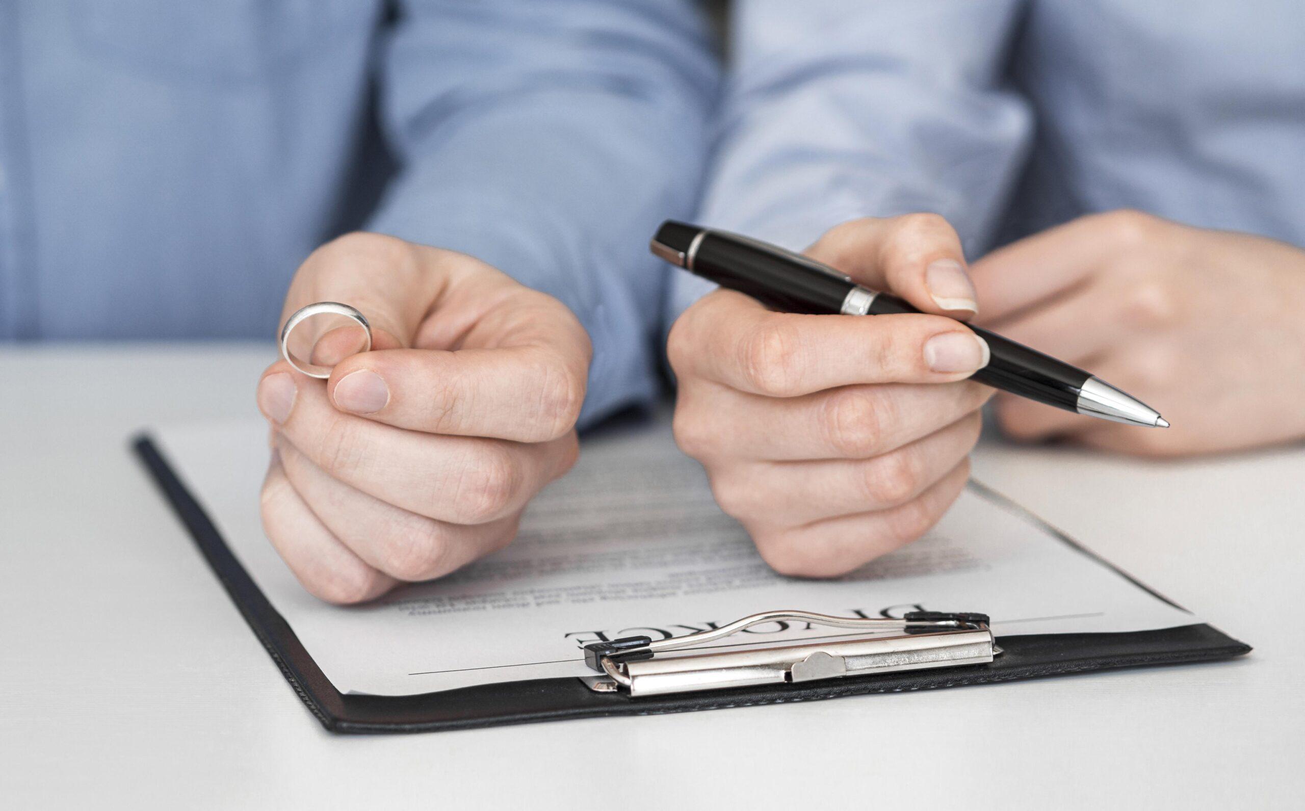 ¿TENGO DERECHO A UNA PENSIÓN COMPENSATORIA TRAS DIVORCIO?
